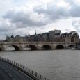 セーヌ川にかかる橋