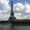 列車から見たエッフェル塔
